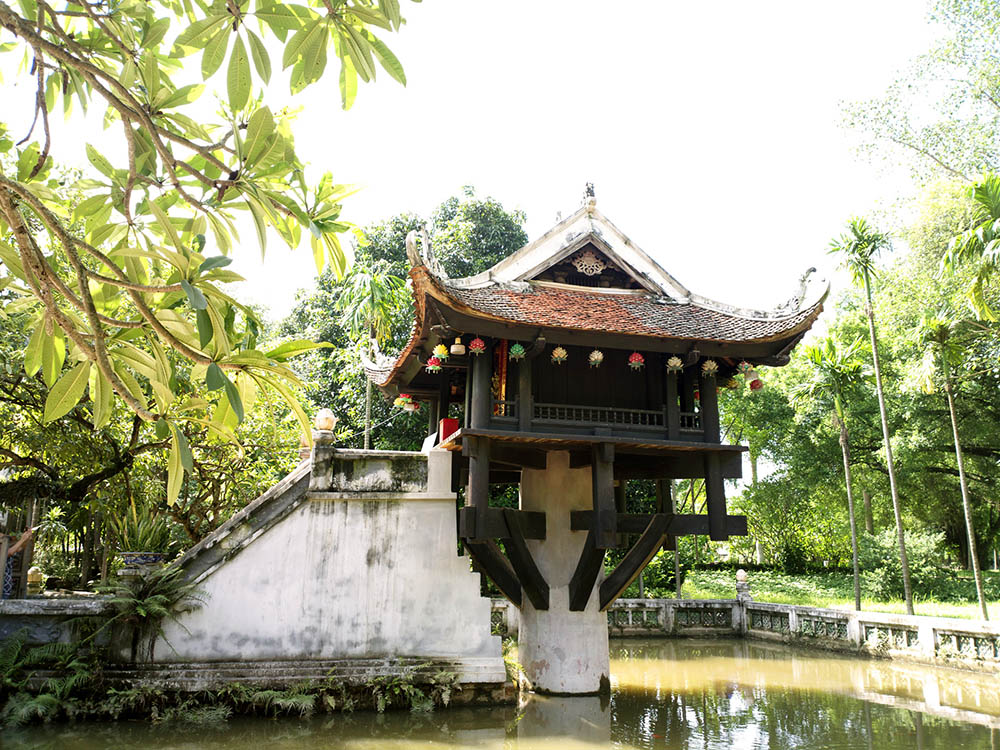 Top 12 must-visit attractions in Hanoi - One Pillar Pagoda