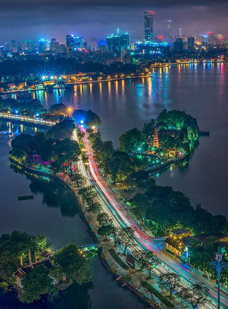 Top 12 must-visit attractions in Hanoi - West Lake