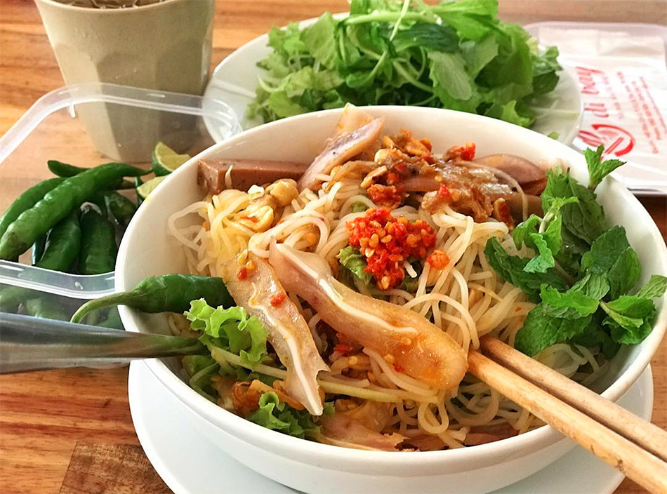 Top 8 dishes and restaurants in Da Nang - Bun Mam Nem