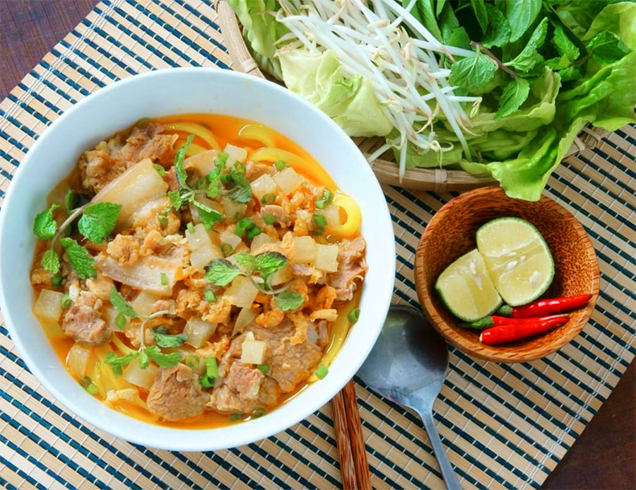 7 Best Hoi An Dishes and Restaurants - Mi Quang