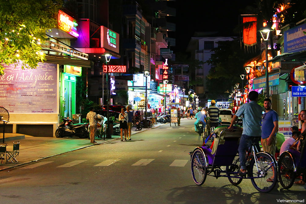 Top 8 attractions in Hue - Beer Street