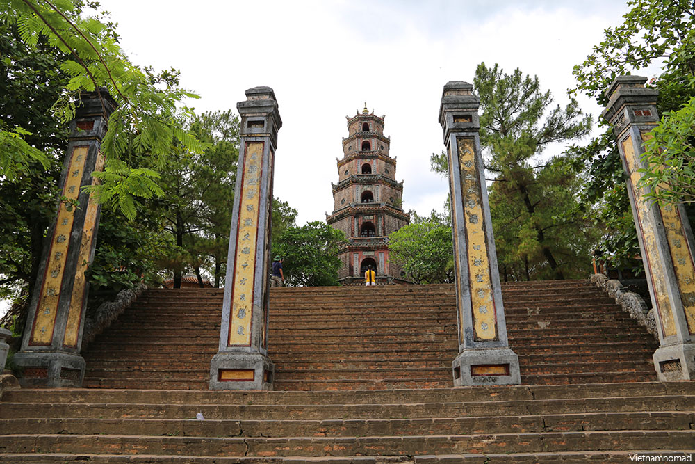 Top 8 attractions in Hue - Thien Mu Pagoda