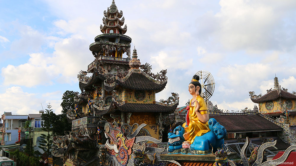 Top 12 must-visit attractions in Dalat - Linh Phuoc Pagoda