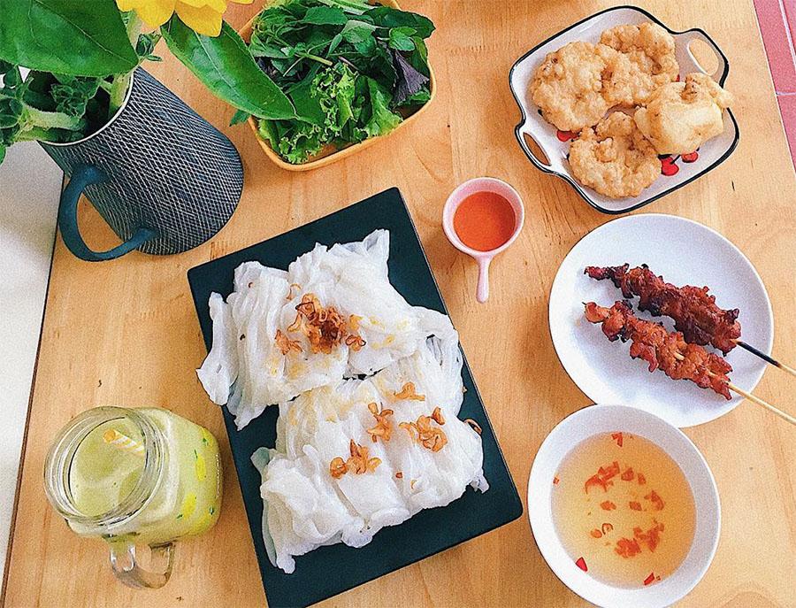 Banh Cuon Cha Muc