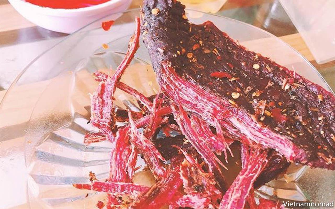 Thit Trau Gac Bep - Moc Chau food