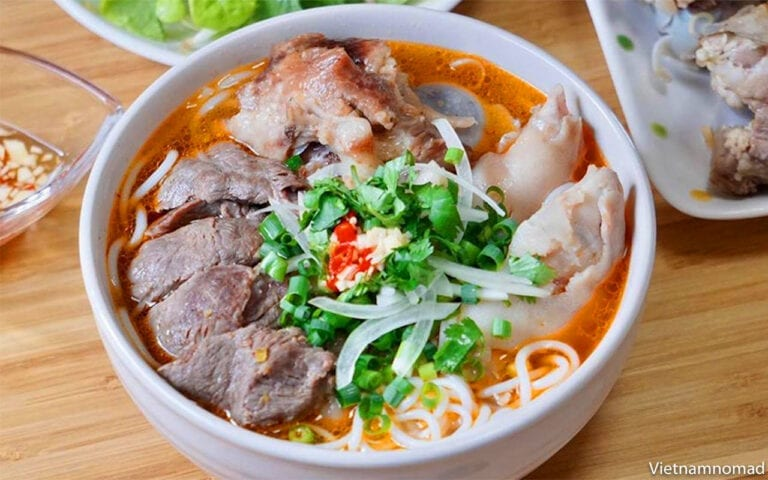 Top 15 Vietnamese Food - Bun Bo Hue