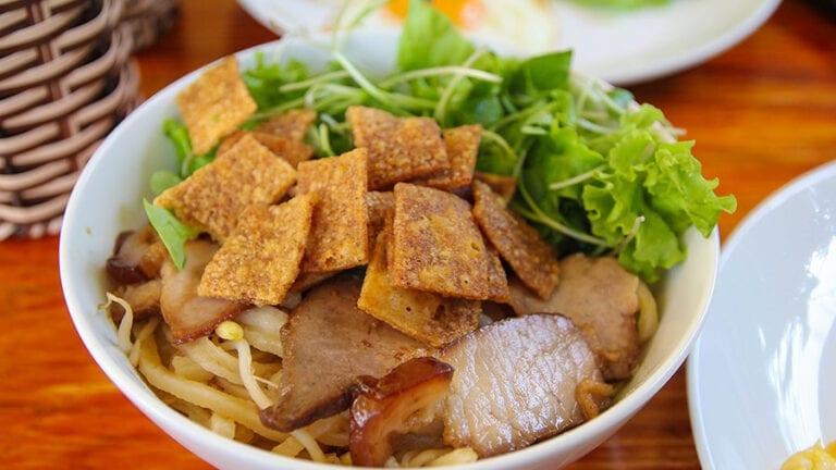 Top Vietnamese food - Cao Lau
