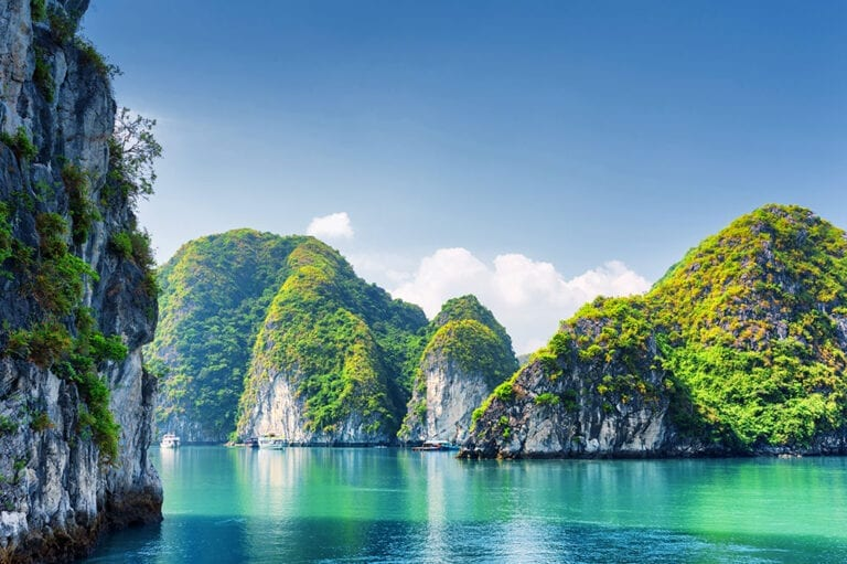 Vietnam itinerary for 10 days - Ha Long Bay